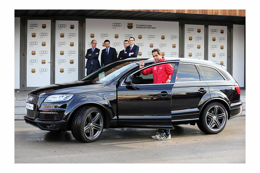 Picture of his Audi   car