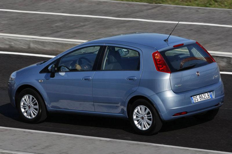 Fiat grande punto catalogo vigente autos nuevos en chile for Capacidad baul fiat punto