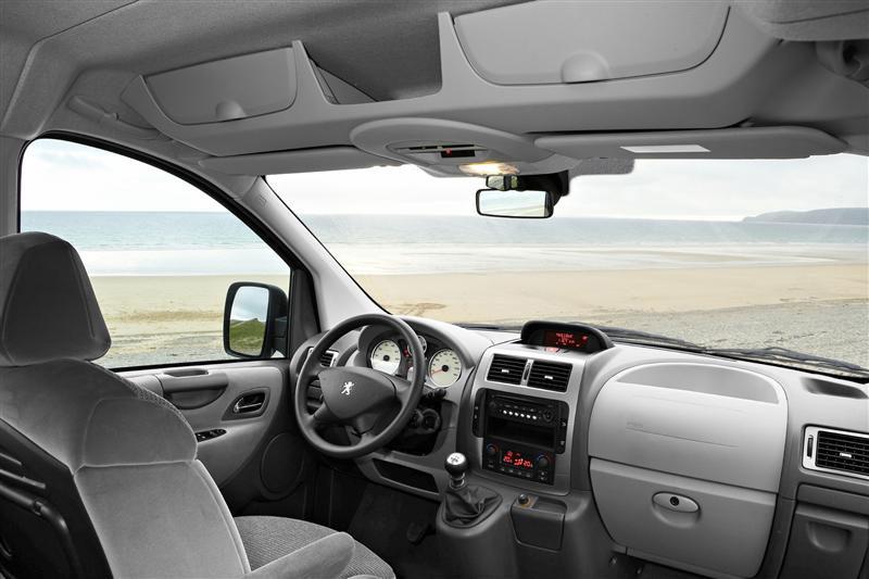 Peugeot expert minibus van minivan autos nuevos por for Peugeot expert interieur