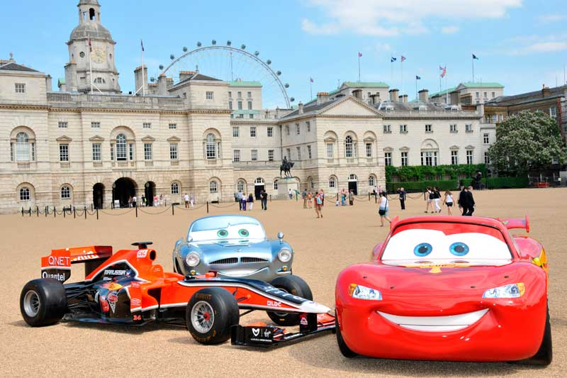 Los protagonistas de cars se re nen por primera vez en for Salon pixar paris